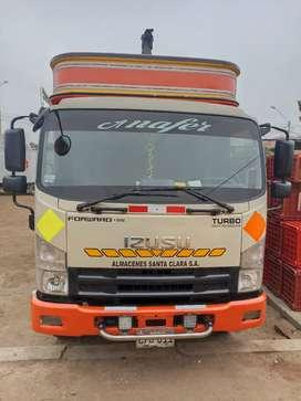 Se vende camión izuso año 2012 en perfectas condiciones trabajando todo ok