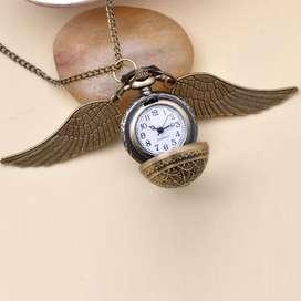Reloj/Collar Snitch dorada de Harry Potter.