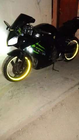 Por emergencia vendo moto 250cc