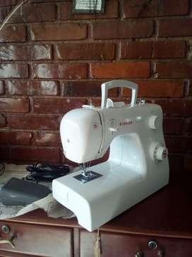 Vendo maquina de coser Singer nueva sin estrenar