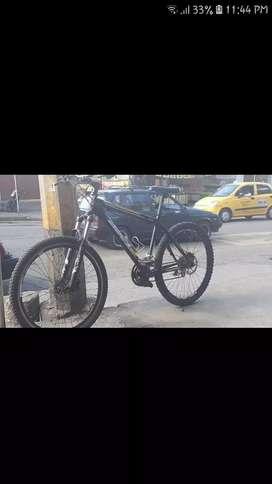 Se vende bicicleta gw marco cosmos frenos hidráulicos Logan manzana Logan todo es logan