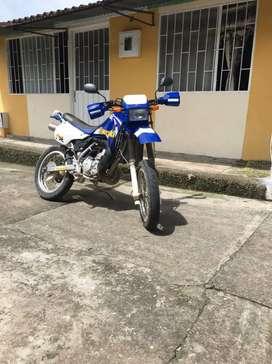 Vendo moto kmx en buen estado