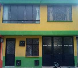 Venpermuto, casa de 2 pisos propiedad horizontal, rentable, ubicado barrio las acacias