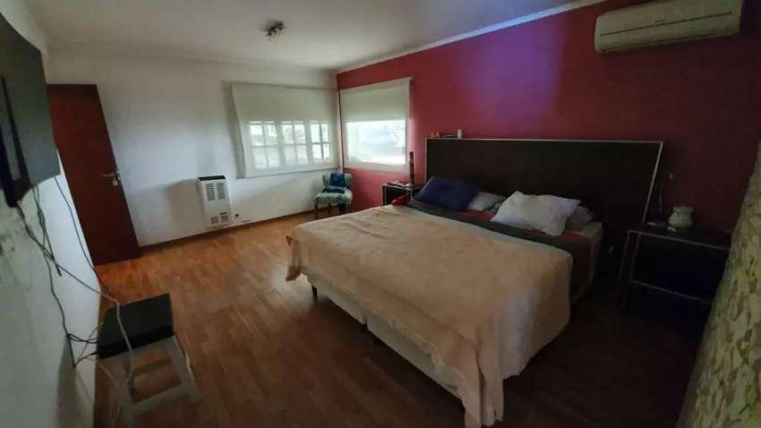 Casa en Centenario, zona de camping Los Nonos!