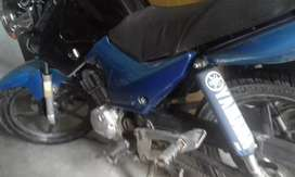 Vendo moto ybr