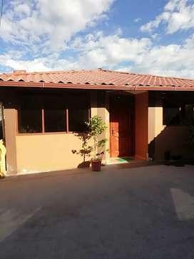 Se vende una linda casa ubicado en San Miguel de Langos, tras las mallas del cuartel.