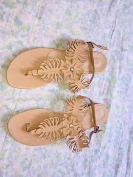 Vendo sandalias nuevas marca ecocueros talla 38