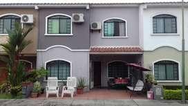 Vendo casa en Ciudad Verde Machala -Negociable