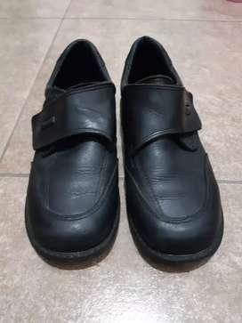 Zapato escolare num 32 Marciel