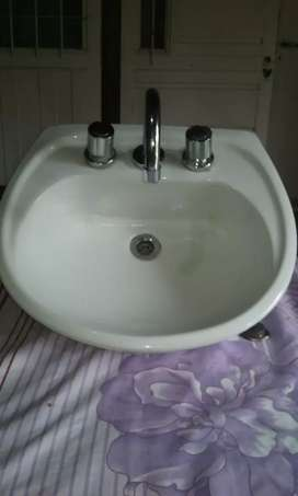 Lava mano con griferia