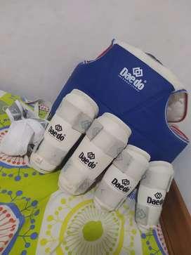 Vendo protecciones de taekwondo