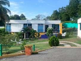 Se alquila casa vacacional ubicada en el km 8 entre tocaima y girardot