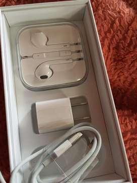 Cable cubo y audifonos lightning nuevos