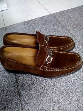 Vendo zapatos Ferragamo para hombre talla 42-43