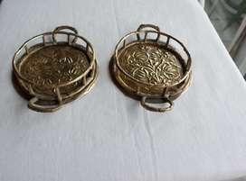 Portavasos de bronce