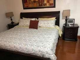 Hermosa cama queen