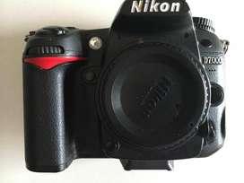Camara D7000 SLR digital mas muchos accesorios