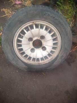 Vendo 4 ruedas de peogeot 504