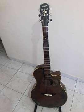 Guitarra electroacústica Yamaha Apx4