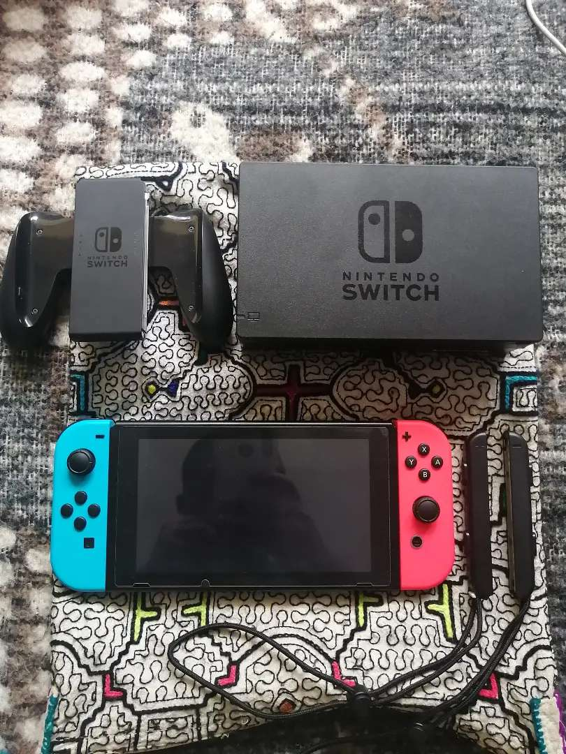 Nintendo Switch 2019 + Micro SD Nintendo Sandisk 256gb 0