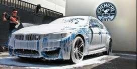 ayudante  para  lavar vehiculos