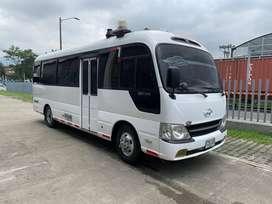 Buseta Hyundai county modelo 2013 de 23 pasajeros Escolar y Empresarial en buen estado