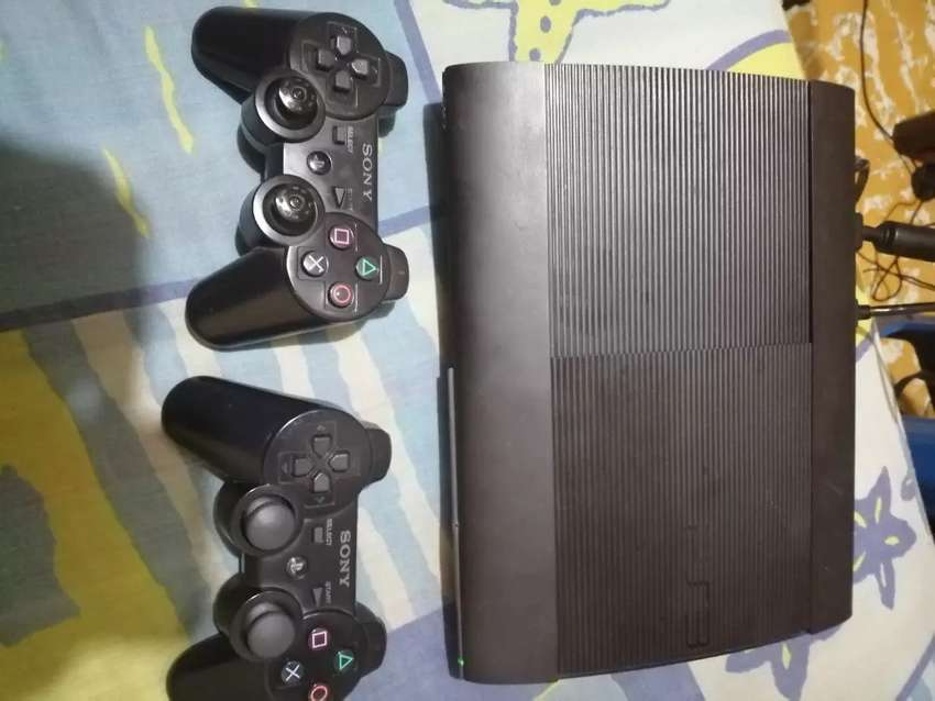 Vendo play 3 slin 500gb +40 juegos 0