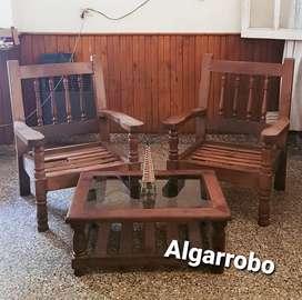 Vendo juego de dos sillones y mesita en algarrobo.