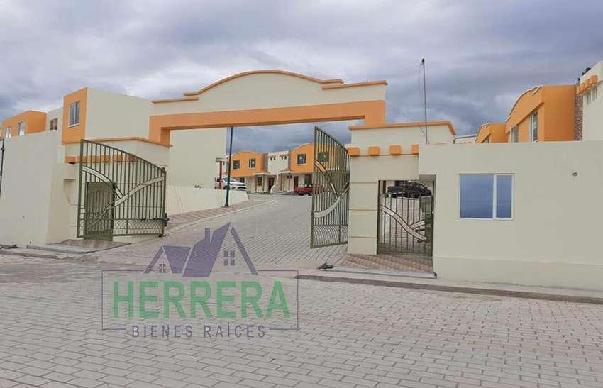 Venta de Casa en Cojunto Residencial en Riobamba 0