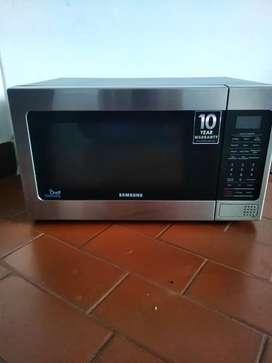 Se vende microondas marca Samsung en perfecto estado