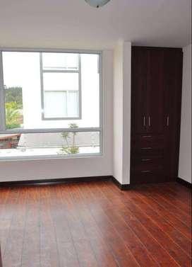 Casa de alquiler en Sur de Ambato 3 Dormitorios, Parqueaderos para 2 carros OXCA20070