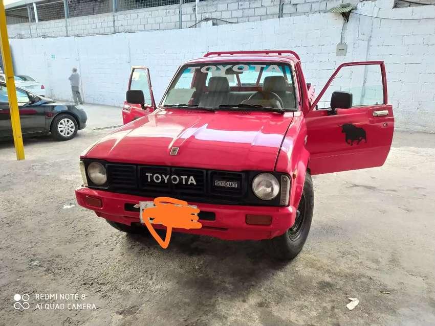 Vendó Toyota stout 2200 conservado todo al día