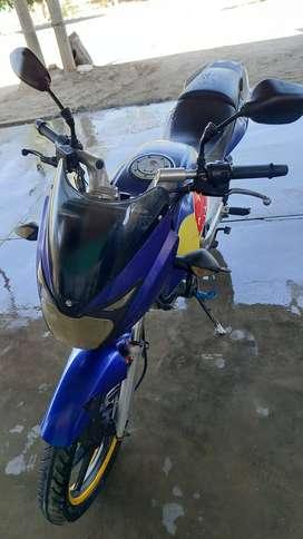 Moto Pulsar Bajaj 150