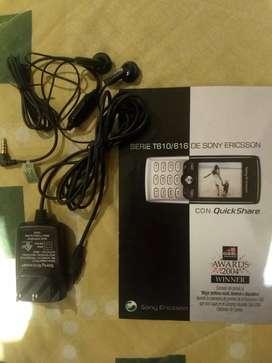 Cargador y auriculares originales de Sony Ericsson para coleccionistas