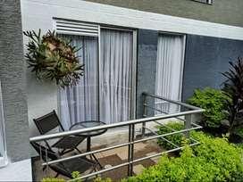 apartamento de 2 alcobas, primer piso con balcon