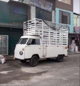 Se vende camioncito en perfecto estado, papeles en regla, soat y revisión técnica hasta el 2021, es precio es negociable