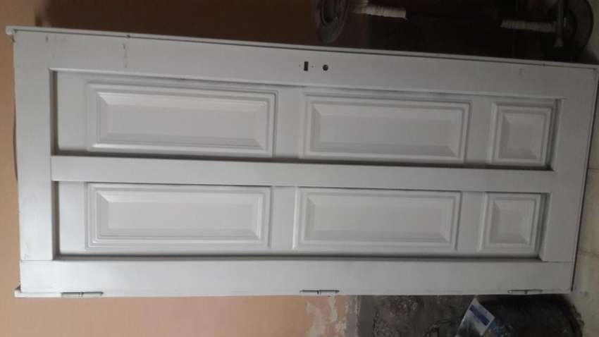 Vendo puerta exterio comunicarse al 3541383366 0