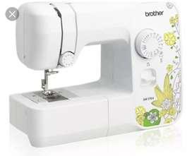Maquina de coser familiar Brother SM 1704