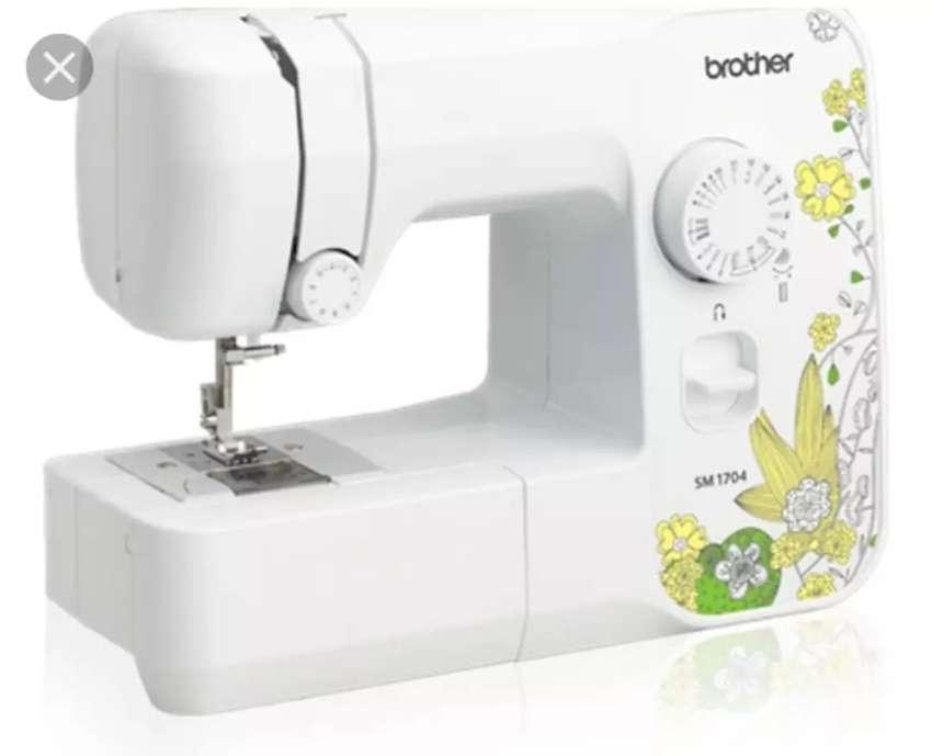 Maquina de coser familiar Brother SM 1704 0