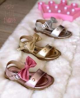 Sandalias de niñas cute
