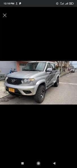 Se vende camioneta de platón 4x4