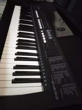 Se vende teclado YAMAHA E433.
