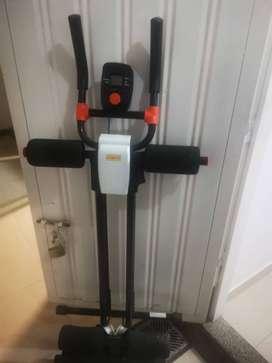 Vendo Máquina para abdominales AB Fit vertical en excelente estado y con todos los accesorios