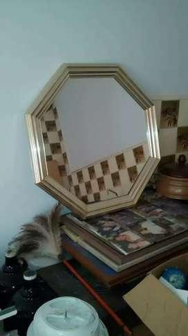 Espejo marco de metal hexagonal