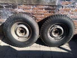 Lote de ruedas para camionetas.