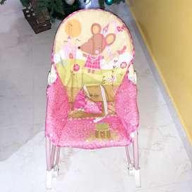 vendo silla mecedora fisher price rosada
