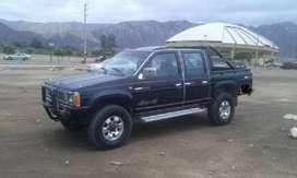 vendo camioneta nissan 4x4 en buenas condiciones