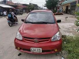 Se vende Toyota Yaris full equipo con amplificador y aire acondicionado