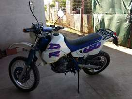 Suzuki DR 650 excelente estado