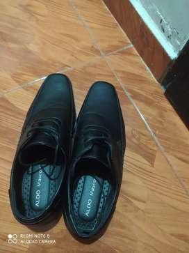 Venta de un par de zapatos para trabajo de oficina